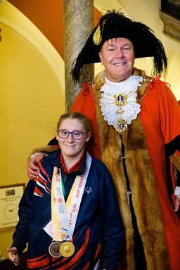 Sophie Carter With Lord Mayor of Hull